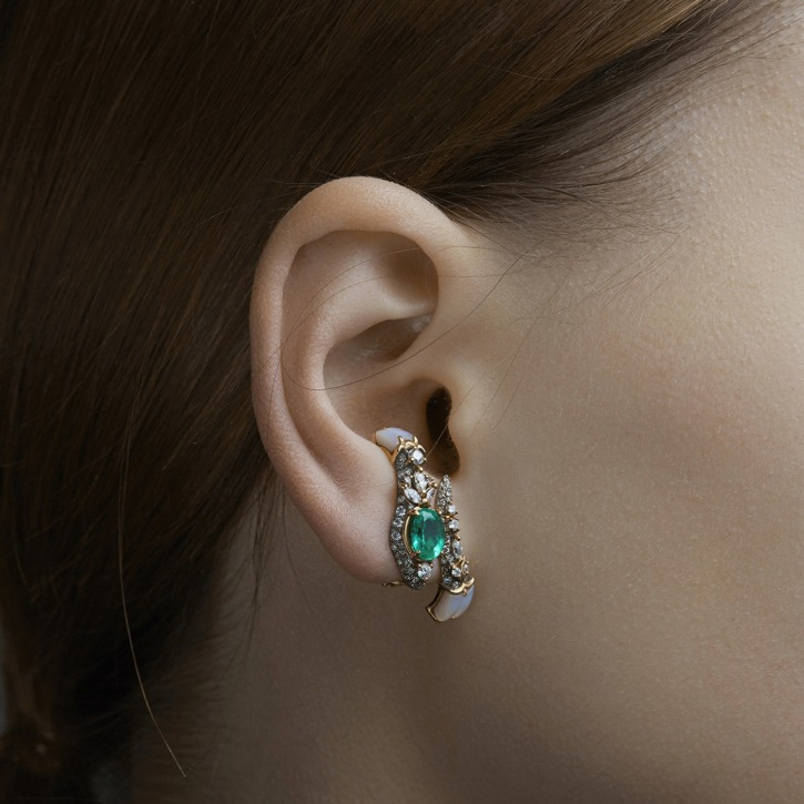 WHITE SNAKE EMERALD SINGLE EARRING